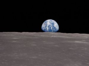 normal_A11earthrise2a11