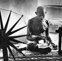 Mahatma-Gandhi_1